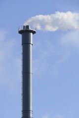 Schornstein mit Emissionen