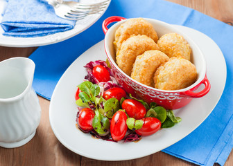 Rice patties with lettuce and tomatoes