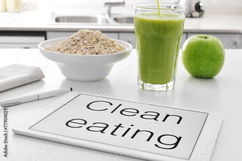 Aluminium Kruidenierswinkel clean eating: oatmeal cereal, apple and smoothie