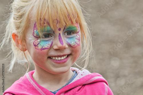 Fasching - Mädchen als Schmetterling - 77905059