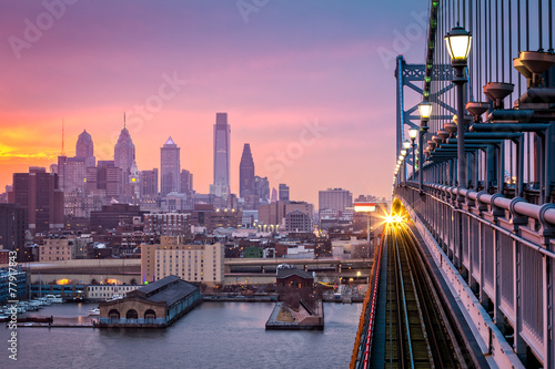 Leinwandbild Motiv Philadelphia under a hazy purple sunset