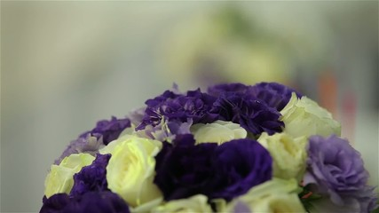 Dynamic change of focus wedding bouquet close up