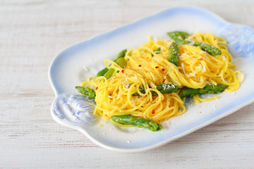 Fresh pasta with asparagus and parmesan