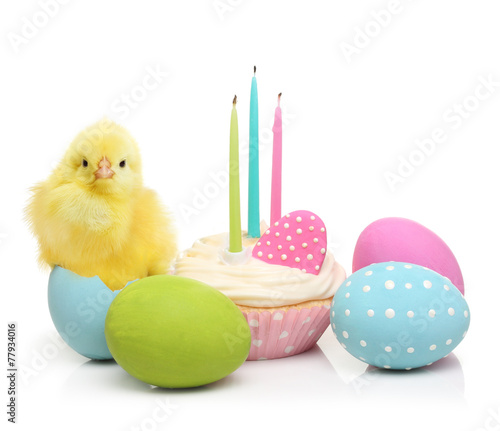 Foto op Canvas Kip Easter eggs, cake and cute little chicken