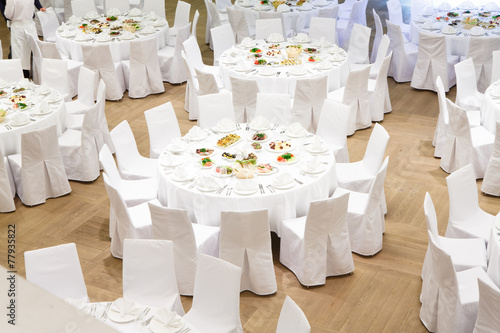 Papiers peints Table preparee Beautifully organized event - served banquet tables