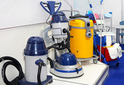 Industrial vacuum cleaner - 77943812