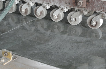 Tile cutter machine