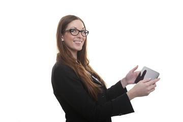 Lächelnde Frau mit Tablett-PC