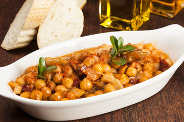 tripe with chickpeas, callos