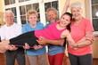 lustige Seniorensportgruppe