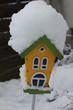canvas print picture - Vogelhaus im Schnee