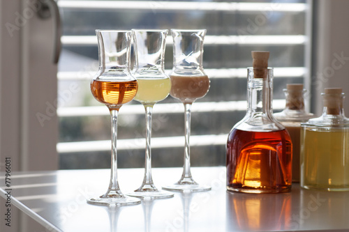 Various alcoholic drinks - 77966081