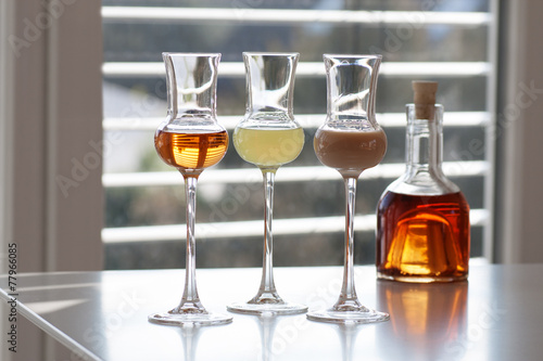 Various alcoholic drinks - 77966085