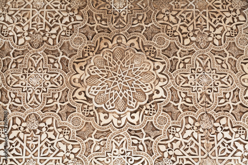 Polychromed lacework stucco - 77966488