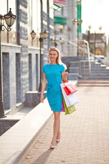 Shopper with paperbags