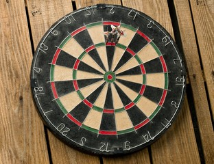 dart stick on the dartboard