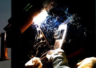 worker-welder