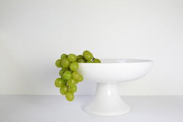 Druiven in een fruitschaal
