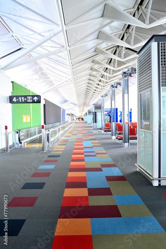 Fotobehang Luchthaven Colorful passage
