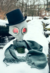 Gas mask with cylinder hat