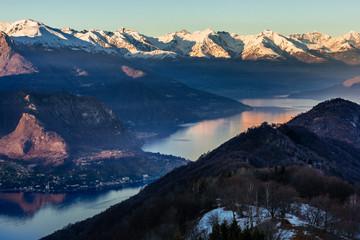 Panorama alpi e lago di como