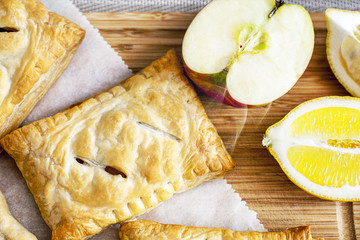 apple pie with fruit