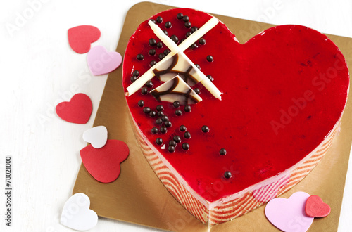 Fotobehang Bakkerij Strawberry mousse cake in the shape of a heart
