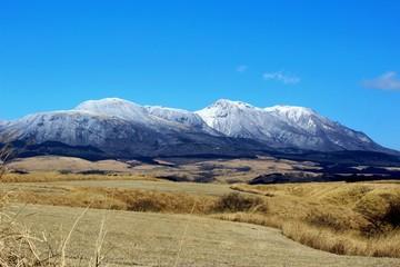 雪景色の九重連山