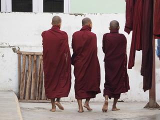 Monasterio budista de Mahagandaryon en Myanmar