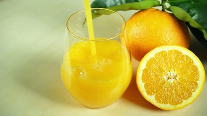 orange juice with fresh orange fruits