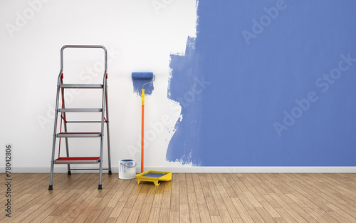 Painting an empty room - 78042806