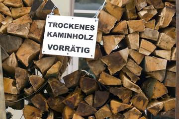 trockenes Brennholz