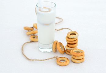 Small bagels and milk