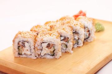 Sushi with cucumberand philadelphia