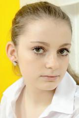 Hübscher Teenager im Portrait