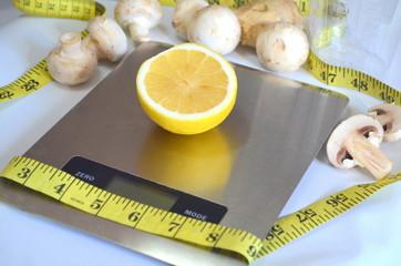 Лимон на весах