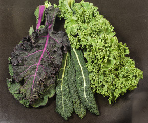 Different varieties of kale leaves