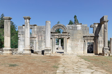 the ruins of the ancient synagogue