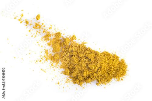 Curry aislado sobre un fondo blanco - 78069470