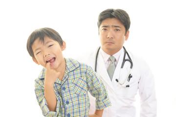 歯痛を訴える男の子