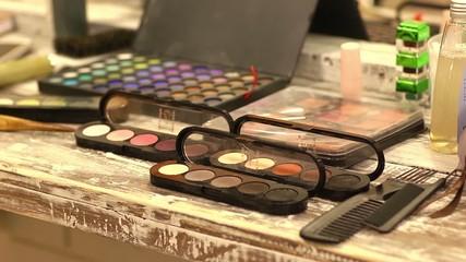 Make-up cosmetics tools