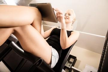 Gläserner Schreibtisch