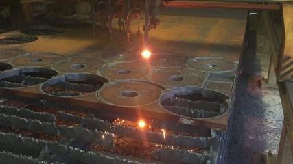 Macchina taglio metalli