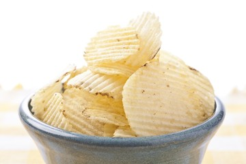 potato chips in blue bowl