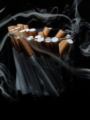 Zigaretten im Rauch