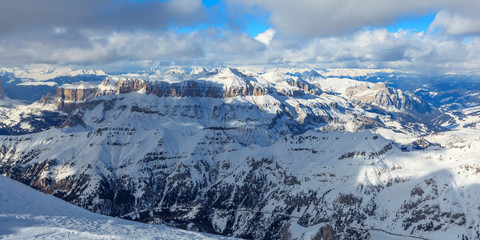 Blick vom höchsten Punkt der Dolomiten auf Sella Massiv