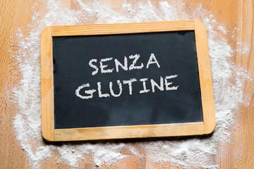 Lavagna con scritta senza glutine