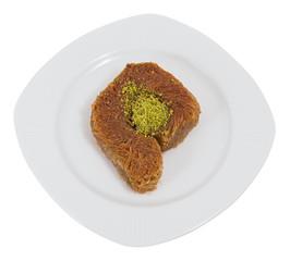 kadayif dessert radial wrap style with pistachio