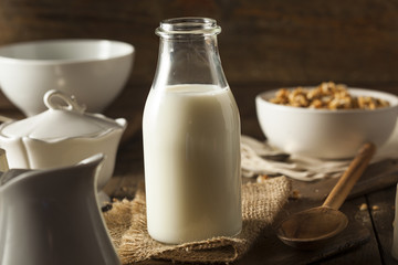 Refreshing Organic White Whole Milk