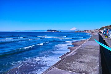 稲村ガ崎海岸の駐車場からの風景